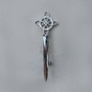 kilt-pin-celtic-knot